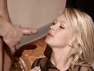 Polish whore Vivian loves to fuck in Germany.
