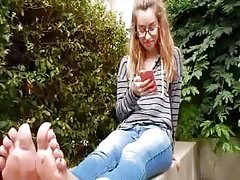 Nadine's Freshman Feet in Flip Flops at College