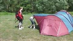 Geiler Besuch im Zelt