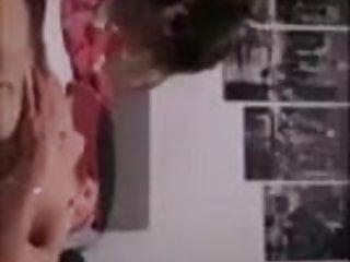 Facebook Wohnzimmer Typ fick seine Freundin im Stream