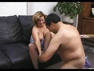 Download video bokep Mature Chub Rhegan Lives For Cock Mp4 terbaru