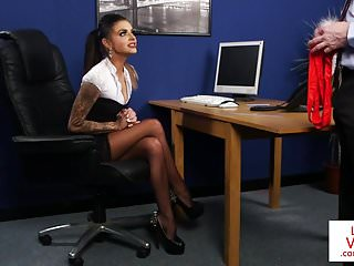 Stockinged british voyeur commands sub to tug
