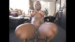 kelly starr takes it in the ass
