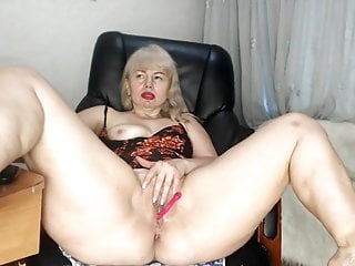 Mature Lady Fox Cant Stop Squirting