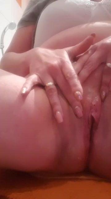 dripping wet pussy cums in bathroom