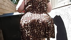 Mature BBW PAWG in leopard skin dress jigglin da bubble butt