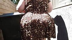 Mature BBW PAWG in leopard skin dress jigglin da bubble butt