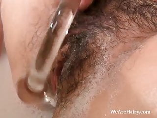 Sarah S is cold and horny and taking a bath
