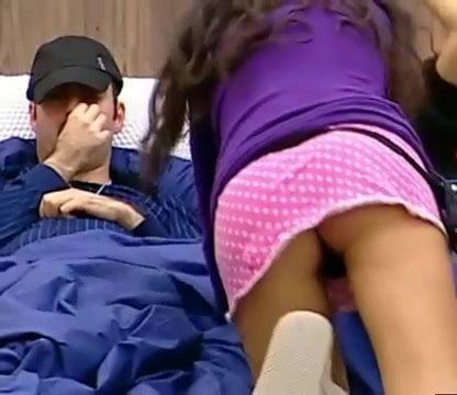 Pervert upskirt video