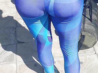 Teen in beautiful fitness leggings (part 1)
