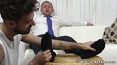 Buff hunk Jake enjoys feet worship session with new employee