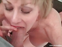 Fetish Fun With Sexy Amateur GILF