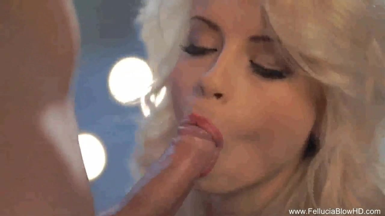 Inspirational Blow From Erotic Blonde