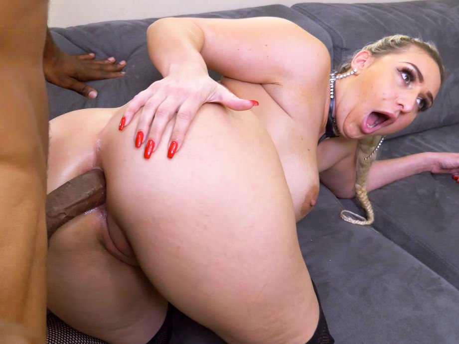 Shared glamour pissing kinky