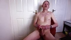 UK daddy jerks off and cums loads