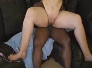 Milf afternoon fuck with a black bull