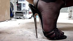 stiletto high heels are scratching in the dust