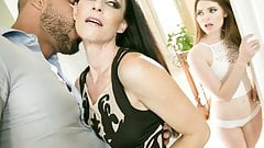 India Summer teaching her new daughter
