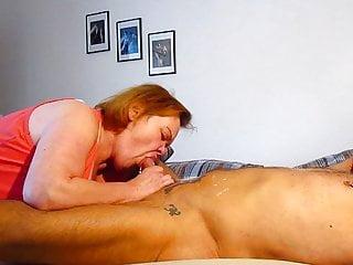 Wife licks man'ass and sucks piercied cock empty !!
