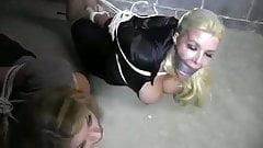 2 women in warehouse