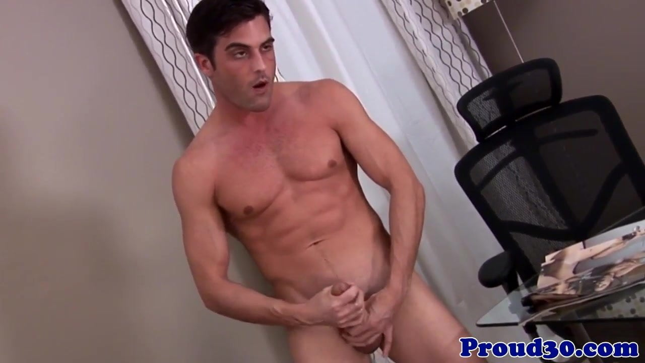 Solo masturbation action with well built jock