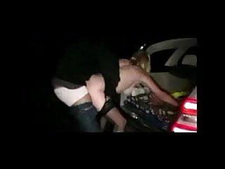 Barbara balancando o carro, narrando tudo, e opiao socando