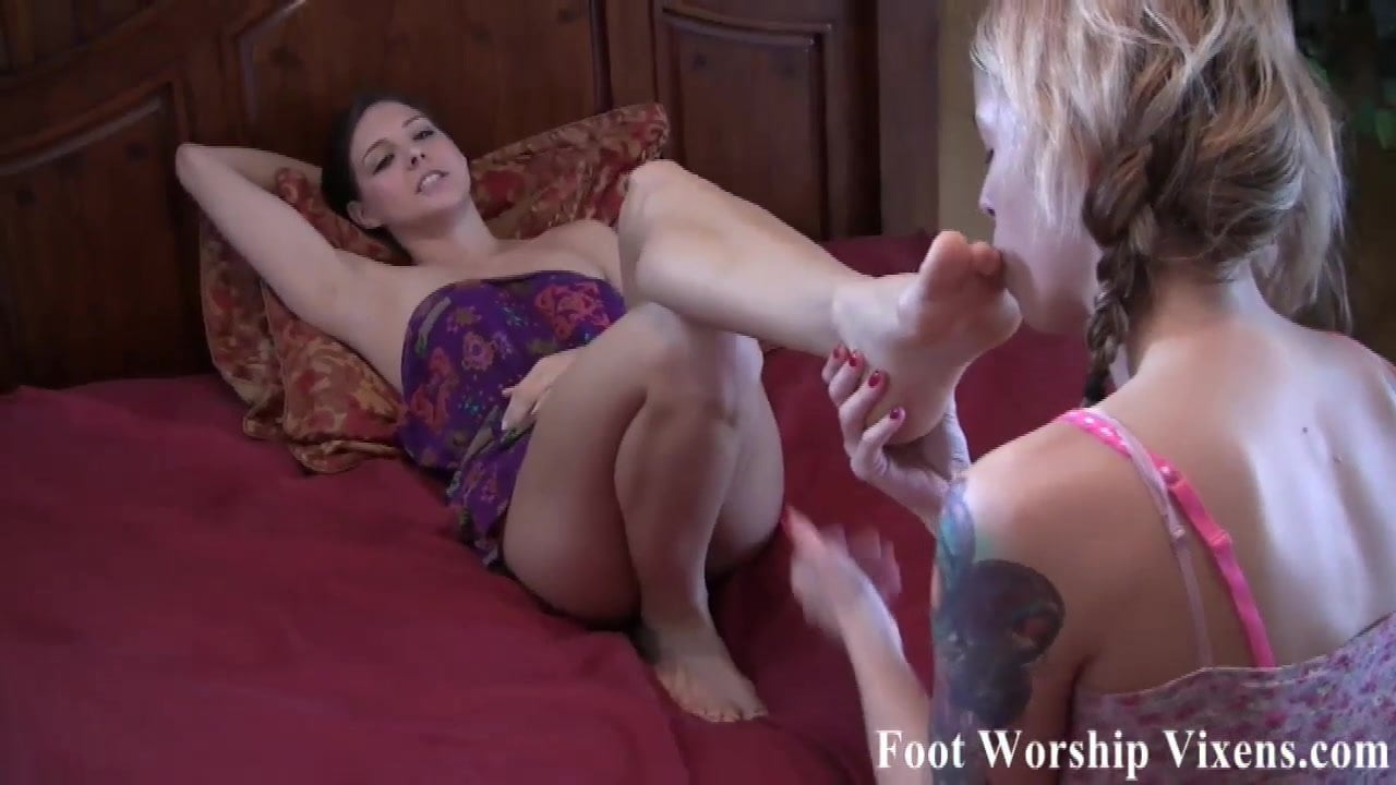 Its time for a little girl on girl foot fetish action