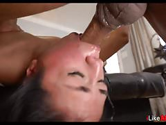 Teen likes to get throat fucked