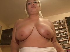 Big tits BBW mom on porn casting