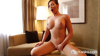 Superb Yanks Nymph Yasmin Masturbating