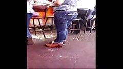 Pinche patota calza del 14 con sus zapatotes