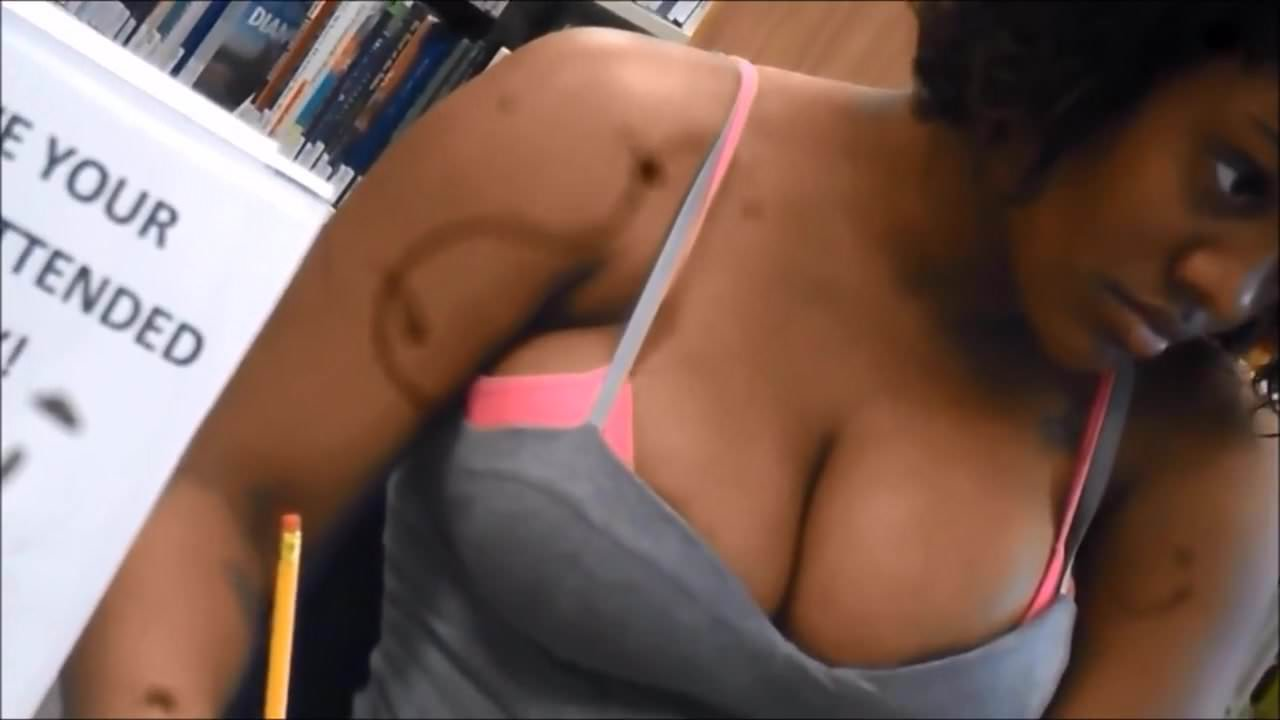 Candid Boobs Slim Busty Black Women Red  Gray Tops 5-1471
