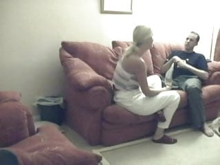 He Secretly Films His Fuck With His Girlfriend !
