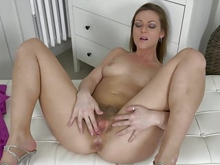 Hairy moms pussy needs a good fuck