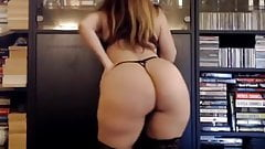 Big Booty Thick Milf Brigitte Paris