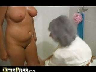 Old mature woman - Omapass bbw chubby granny with old mature woman in bath