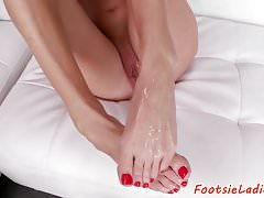 Glamcore babe footworshiped and toelicked