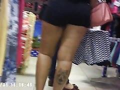 Nice leg and booty