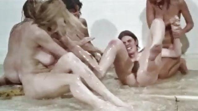 Free kirstie alley nude photos