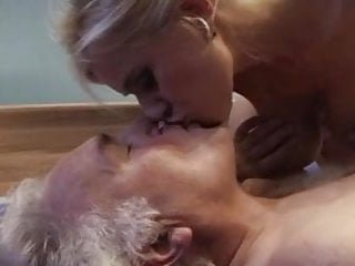 Download video bokep Old man fucking busty blonde Mp4 terbaru