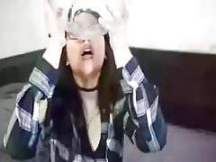 Asiatica comiendo semen (Asian eating cum)