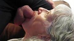 Séduisante brunette pute anal jouit daprès un massage au bord de la.