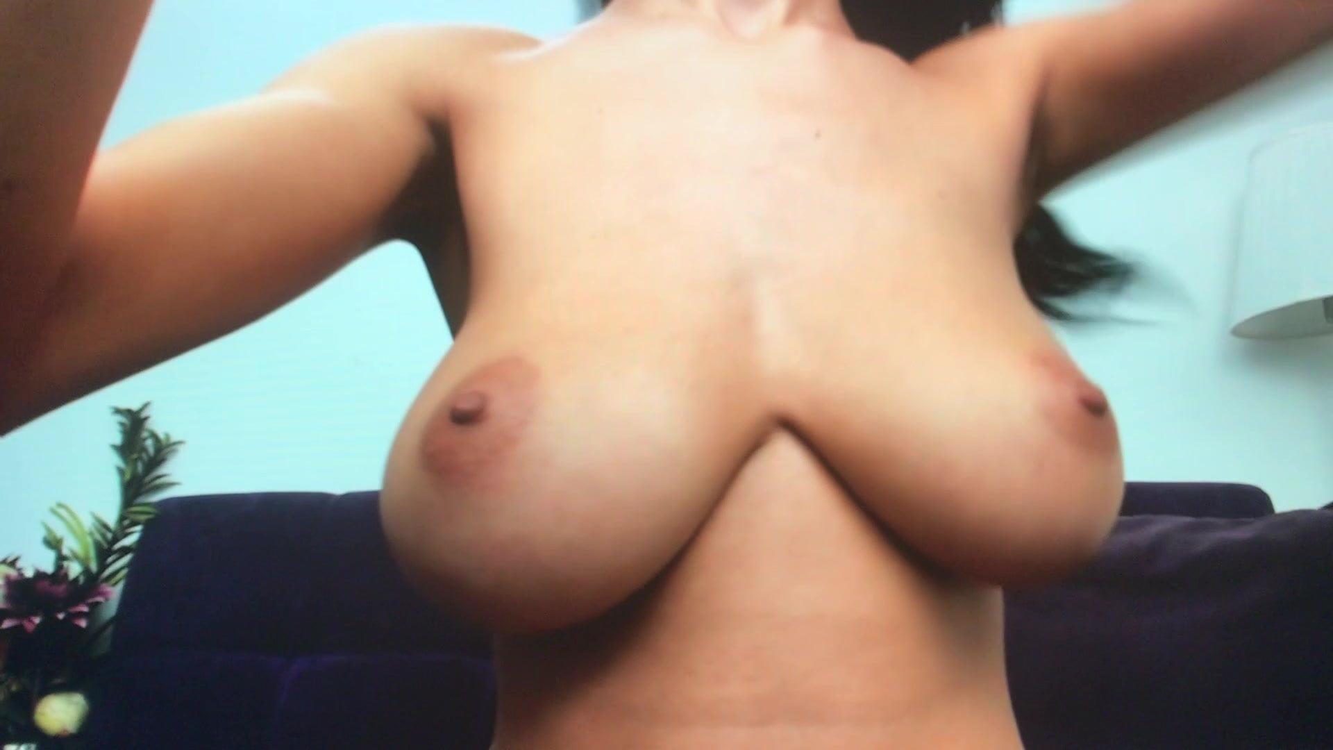 Big bouncing tits free pics
