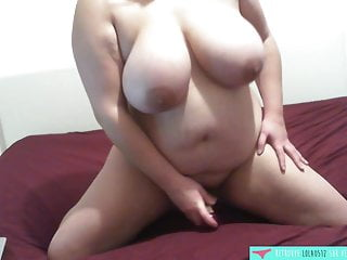 BBW plays and sucks her dildo - French Amateur