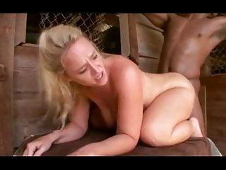 Dee Siren Fucks The Slave Labor