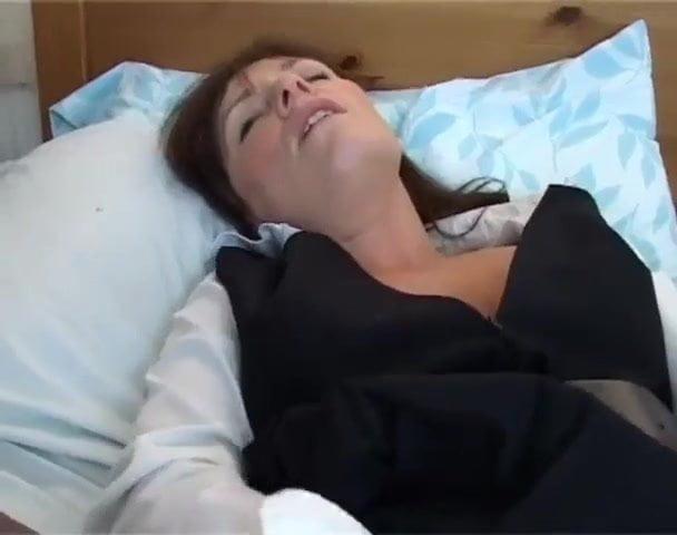 Hot British Beauty Wendy Playing