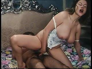 Joy KARINS clip