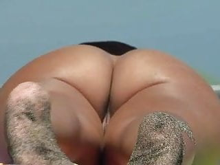 Nude on Beach Spy nudist Ass and Pussy 3