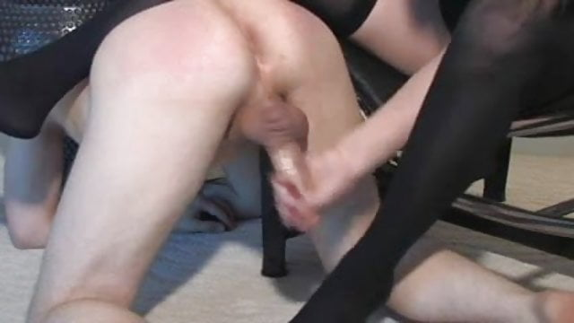 Facesitting femdom mistress