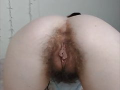 cam-slut with a ugly hairy pussy